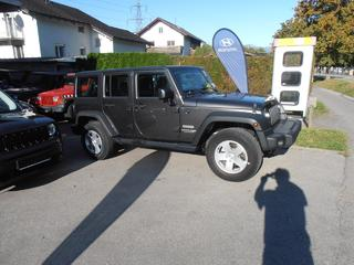 Jeep Wrangler Unlimited Sport 2